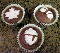 Easy Stenciled Cupcakes for Fall