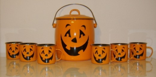Hallmark Halloween Mugs