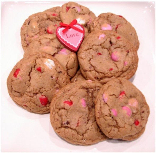 Still more pretty Valentine M&M cookies
