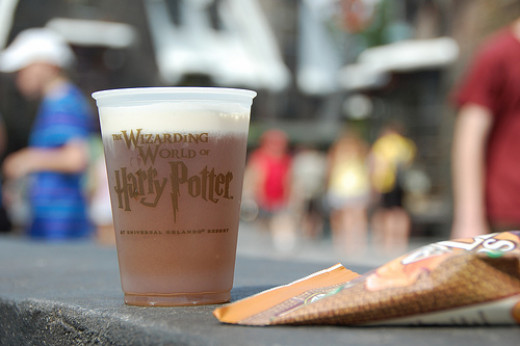 Wizarding World of Harry Potter Plastic Glass of Butterbeer