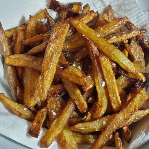 Crunchy crisp homemade fries photo by LynnKK