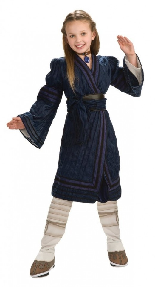 The Deluxe Katara costume, featuring lush robes and other accessories.