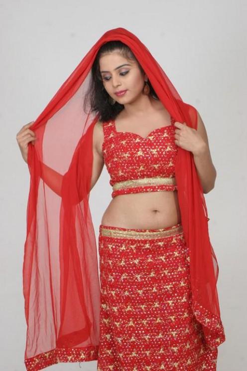 Actress Prachi Adhikari Navel Show Photos