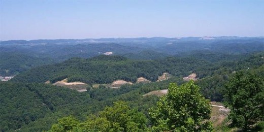 The East Kentucky Coal Field as seen from PIne Mountain