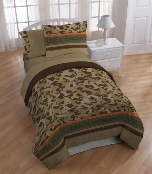 Duck Dynasty's Camo Logo Stripe Comforter, Twin
