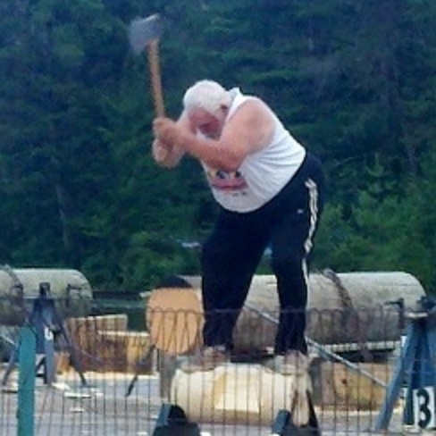 Don't let the white hair fool you. This Wisconsin native swung his axe well in the Master's Underhand Chop