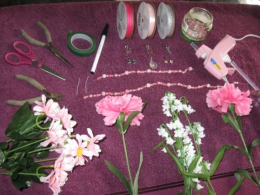 Materials required for personalize flower pen production
