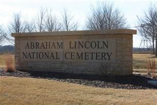 Entrance to Lincoln National Cemetery