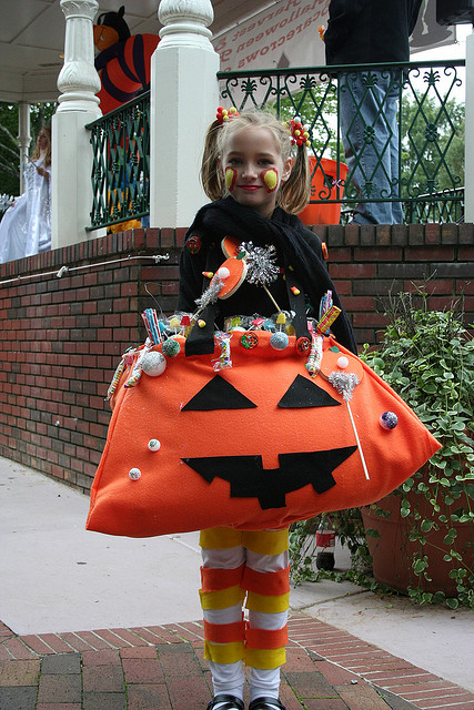 Halloween trick or treat bags are an easy temporary bag to make as a starter project as you can get away with making the whole thing out of felt!