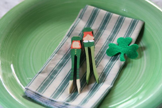 These make cute table settings for St. Patrick's Day.