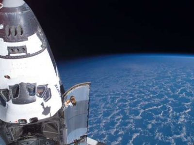 Endeavour over Earth's Horizon