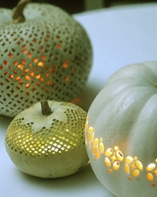 Intricate lace design for pumpkins! Source: MarthaStewart.com. See link below for directions.