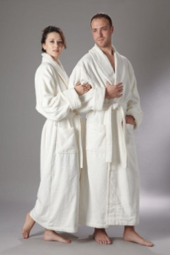 A Cotton Bath Robe for Men or Women Makes the Coziest Gift