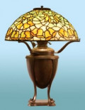 Characteristics of Antique Tiffany Lamps | Tiffany Table Lamps