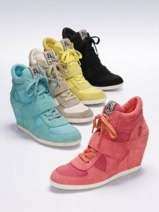 Canvas Bowie Wedge Sneaker