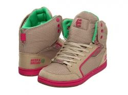 Etnies Breast Cancer awareness shoes