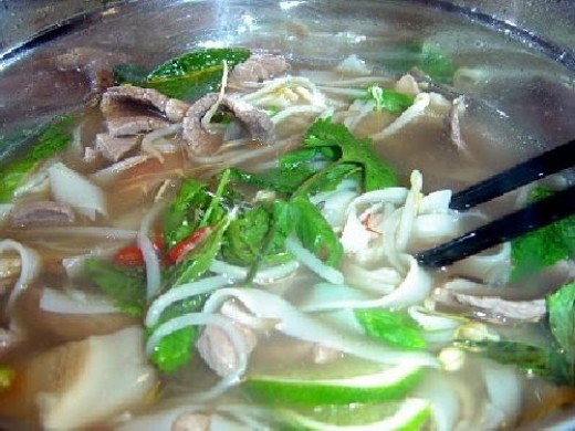 How to Make Vietnamese Beef Soup - Pho Bo