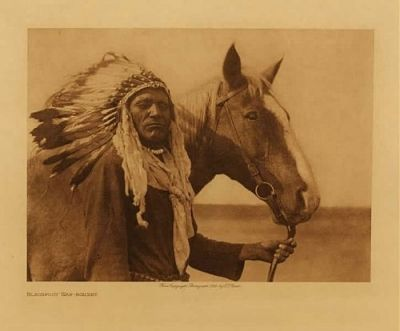 Blackfoot War Bonnet