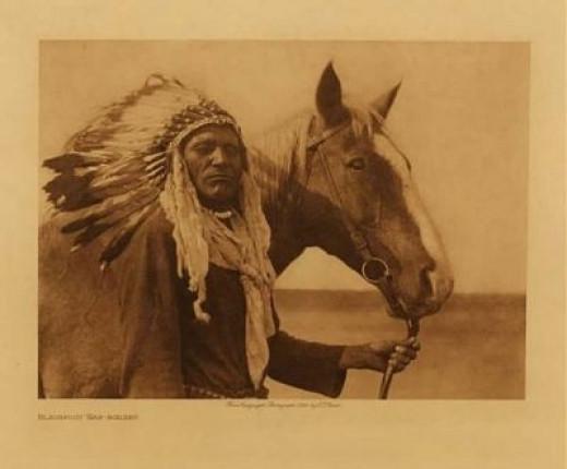 Blackfoot War Bonnet