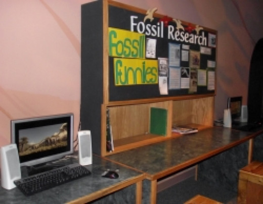 The learning center teaches kids about fossils.