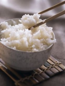 How to Cook Rice With or Without a Rice Cooker