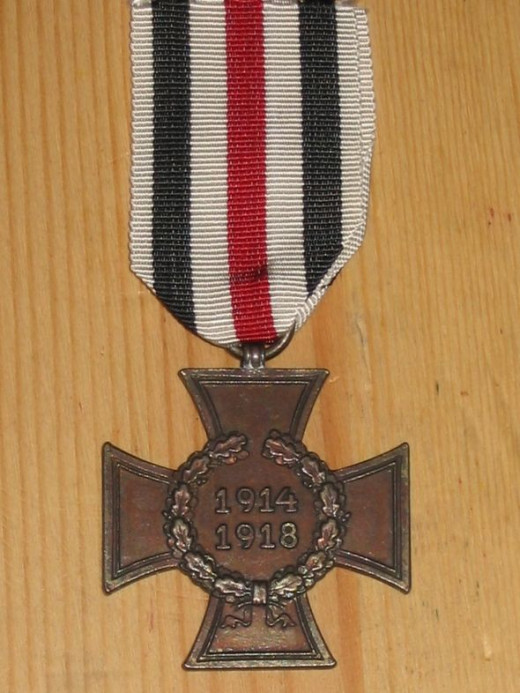 WWI German Cross of Honour/Hindenberg Cross, non-combatant version - obverse