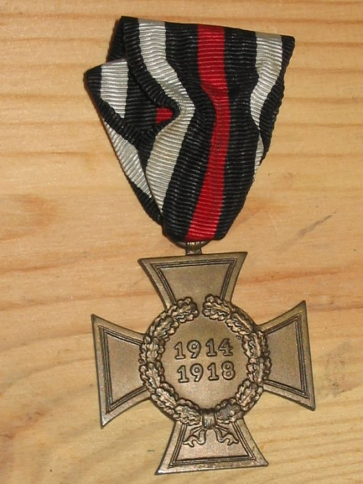 WW1 German Cross of Honour (Non-Combatant version, without swords), on correct ribbon - obverse