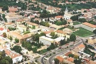 An aerial picture of Nagyszentmiklos as it is now.