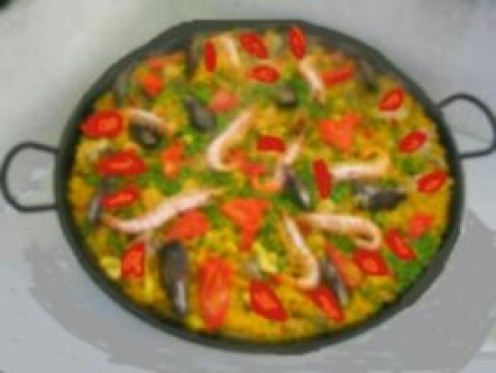 Paella with chicken prawns and mussels