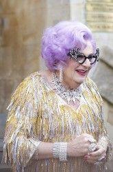 Dame Edna - Wikimedia cc 2.0
