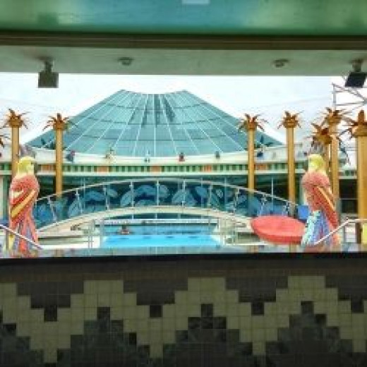 The Adults only Pool on Freedom of the Seas