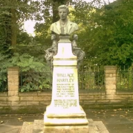 Wallace-Hartley-Monument