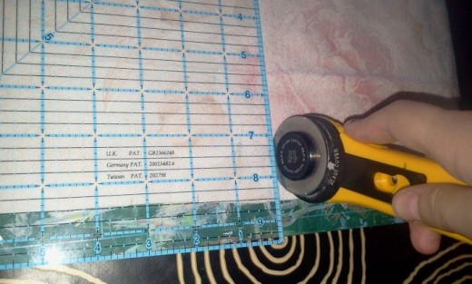Cutting squares with a rotary cutter