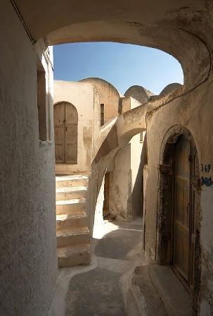 Emporeio, Santorini... a great medieval place place to visit