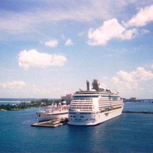 Big ship - Little Ship (personal photo)