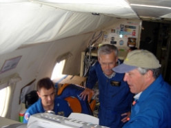 Hurricane Hunters - Heroes Fly into the Eye of the Storm