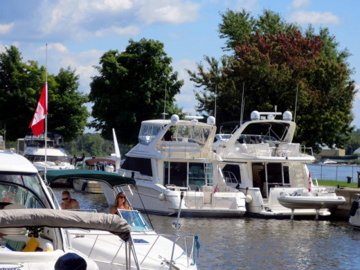 Double-parked yachts on a busy weekend in Ste-Anne de Bellevue
