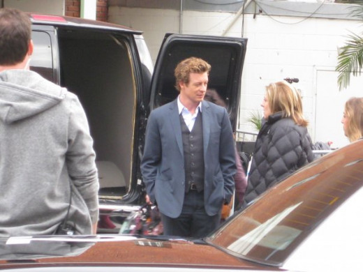 Simon Baker on the set of The Mentalist