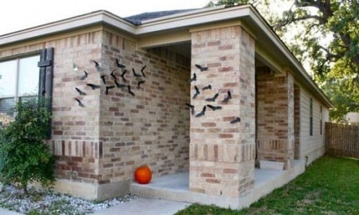Bats as you enter. Featured on Modern House Insight.