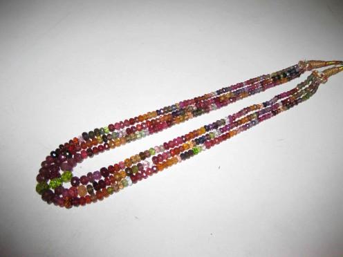 Semi Precious Beads: Vardhaman Gems