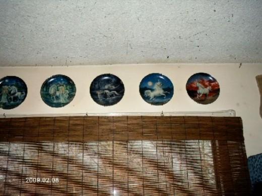 Bradford Exchange PlatesPhoto Copyright Shari O'Leary
