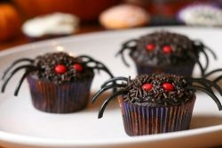 Red Eyed Spider Cupcakes
