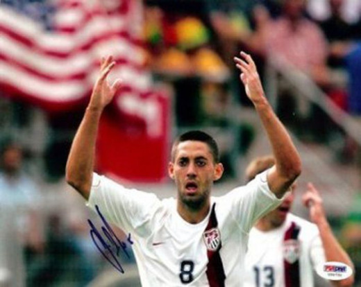 Signed Clint Dempsey Photograph - 8x10 Team USA was on Amazon