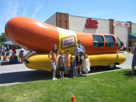 Kids and hot dogs!