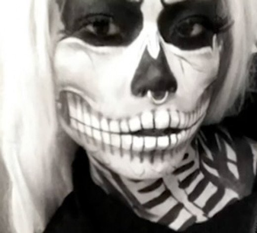 DIY zombie skeleton halloween makeup tutorial {video}