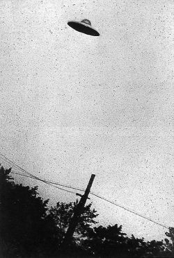 UFO Photo from 1952 over New Jersey