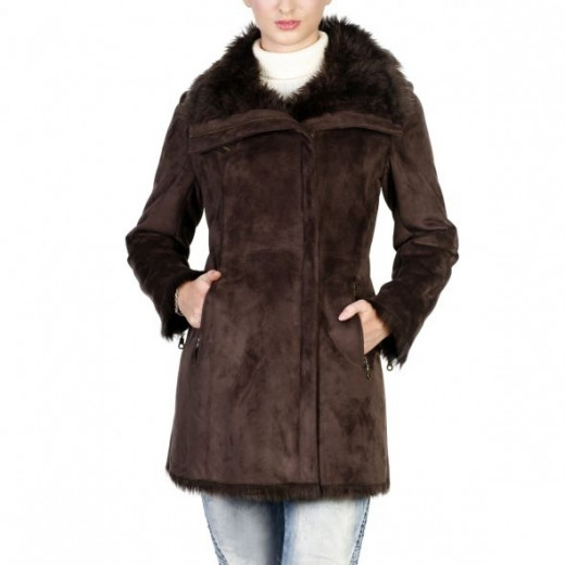 Click here to buy coat on Amazon.