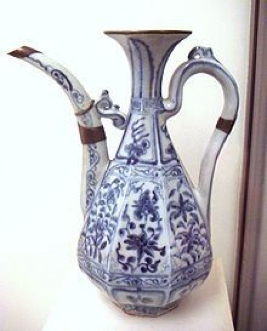 Early Chinese blue and white porcelain