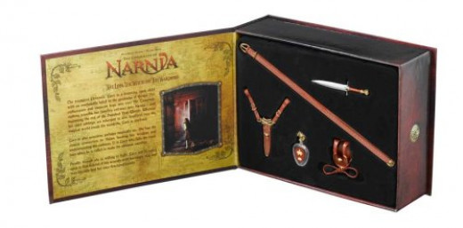 The Chronicles of Narnia: Lucy's Gift Replica