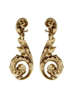 Oscar de La Renta Carved Antique inspired earring